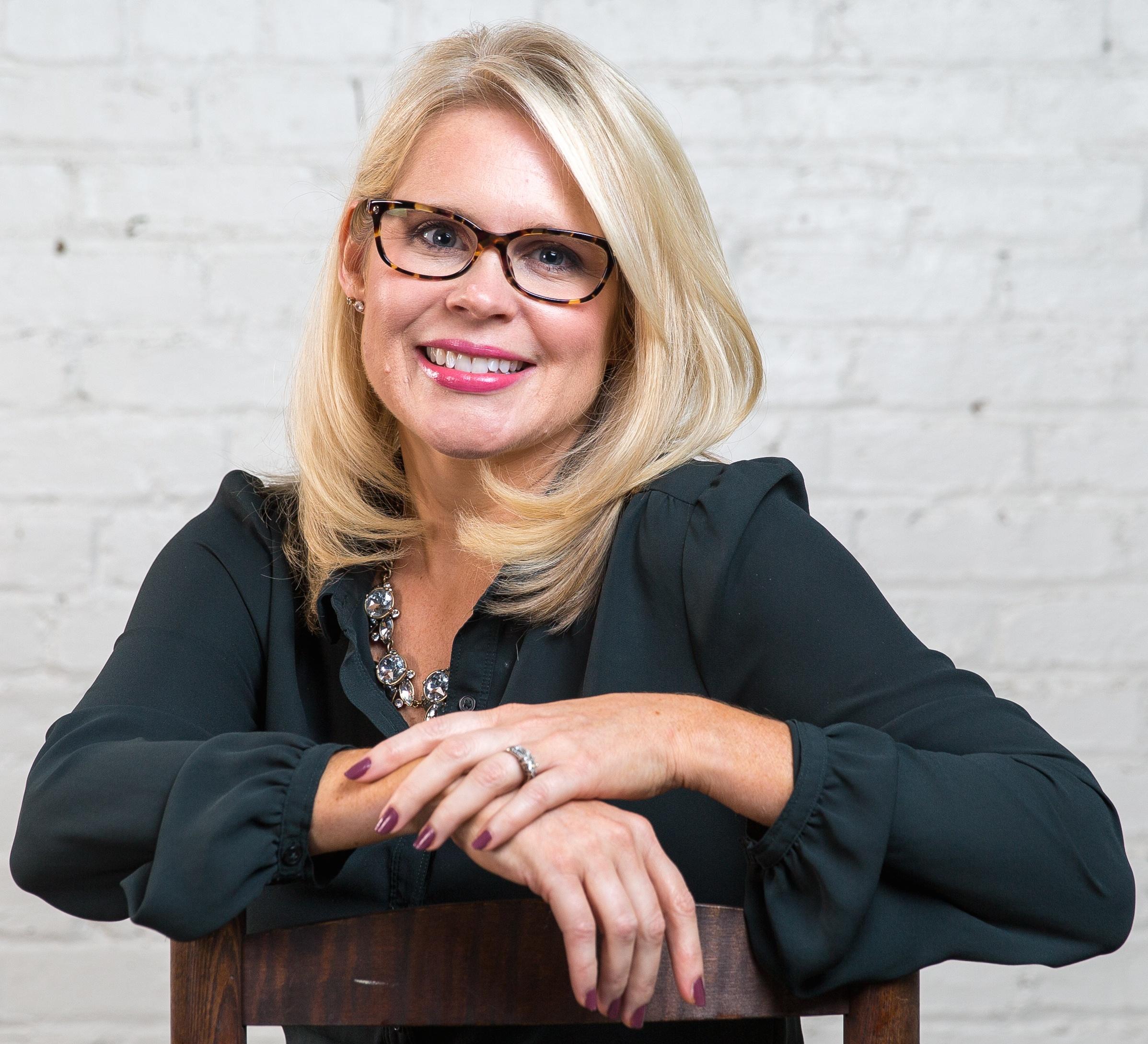 Hollie Geitner Vice President, Client Services hollie .geitner@wordwritepr.com